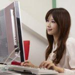 パソコンを使う女性9