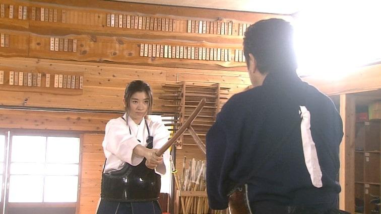 剣道で勝負する大前と桐島